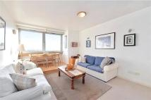 Flat to rent in Porchester Place, London...
