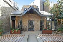 1 bedroom house to rent in Pembridge Villas, London...