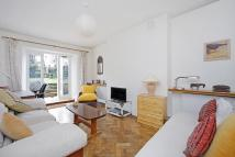 Flat to rent in Elgin Crescent, London...