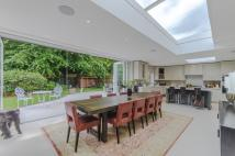 5 bedroom property for sale in York Avenue, SW14