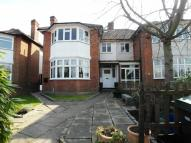 3 bedroom Flat in Upper Richmond Road West...