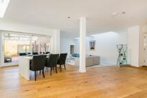 4 bed new house in Berwyn Road, Richmond...