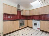 3 bedroom Flat to rent in Brecknock Road, N7