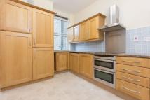 Flat to rent in York House...