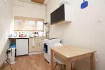 Flat to rent in York Way, N7