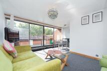 1 bedroom Flat in Oakshott, Polygon Road...