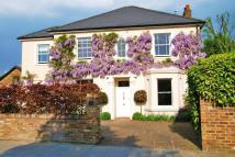 6 bedroom Detached house for sale in Popes Avenue...