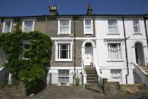 3 bedroom home in Shaftesbury Road...