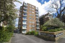 Flat for sale in Priors Lodge...