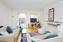 2 bed home to rent in Lancaster Park, Richmond