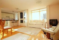 2 bedroom Flat to rent in Park Road, Richmond