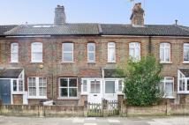 Manor Grove Terraced house to rent