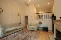 4 bedroom home in Cambridge Road...