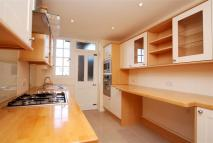 Flat to rent in Glenmore House, Richmond