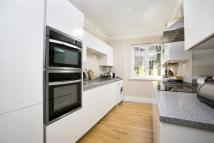 Flat to rent in Darling House, Twickenham