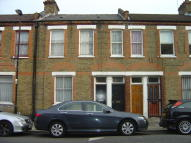 1 bed Flat to rent in Cornwall Road, London...