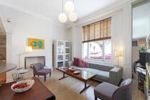 2 bedroom Flat to rent in Eardley Crescent, London...