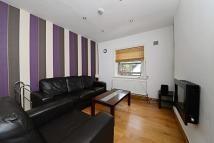 2 bed Flat in Peabody Buildings...