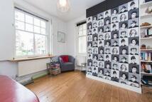 Studio flat to rent in Newton Street, London