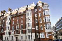 4 bedroom Flat in Woburn Court...