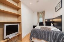 Studio flat to rent in Cartwright Gardens...