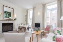 Flat to rent in Doughty Street, London