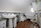 Flat Pic Bathroom.pn