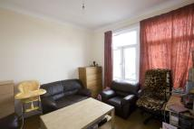 Flat to rent in Hale End Road...
