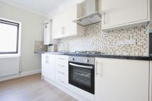 2 bed Flat to rent in Priory Avenue...