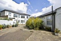 1 bed Flat to rent in 220a High Road...