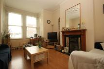 Bowes Road Ground Flat to rent