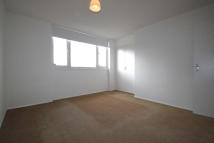 2 bed Terraced property in Woodside Lane, London...