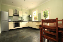 2 bedroom house to rent in Middle Road, East Barnet...
