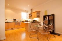 2 bedroom Flat in Totteridge Lane, London...