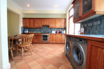4 bed Terraced house in Claverley Grove...