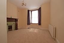 2 bedroom Flat in Dollis Road...
