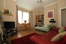 Ground Flat to rent in Brownlow Road, London, N3
