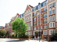 Flat in Sandringham Court Maida...