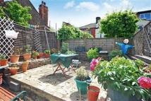 4 bed property in Valliere Road ...