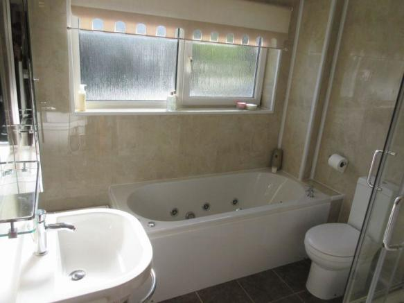 Spa Bathroom/S...
