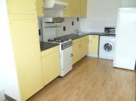 3 bedroom Flat in Shepherds Bush Green...