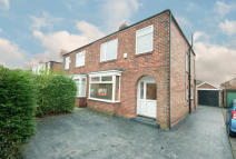 3 bed semi detached property in Chalford Oaks, Acklam...
