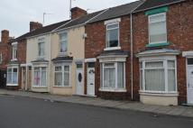 Terraced property to rent in AIRE STREET...
