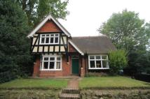 3 bed Detached home in Rowlands Court...