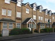 Flat in Genotin Road, Enfield...