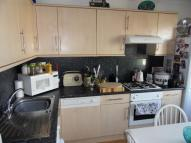 Flat to rent in Woodgrange Drive...
