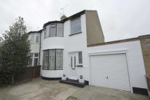 semi detached house to rent in Central Avenue...