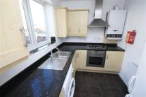 Flat to rent in Pensbury Street...