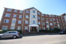 Flat to rent in Marlborough Drive...