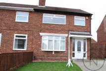3 bedroom semi detached property to rent in Mead Crescent...